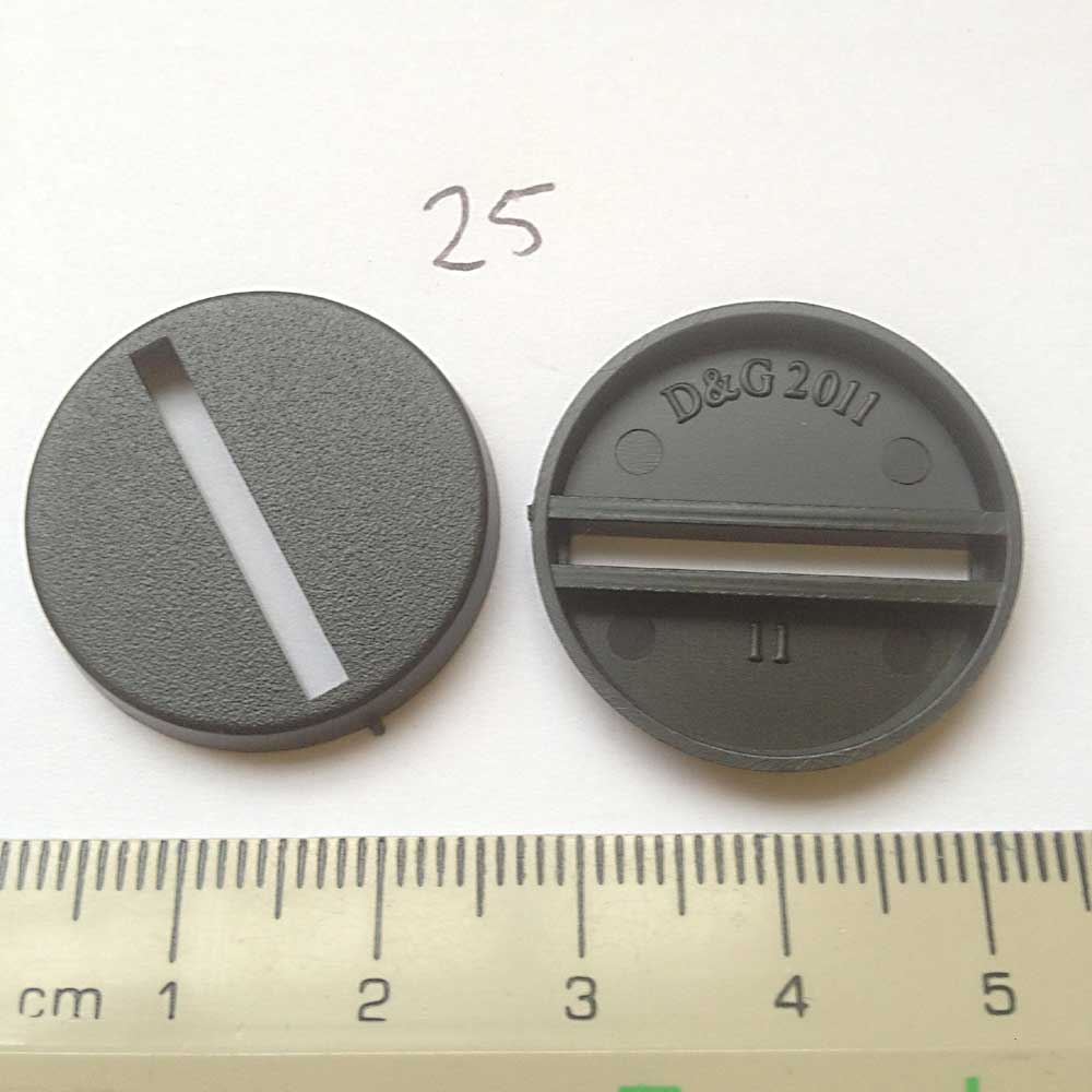 25mm Round Base - slotted x 100